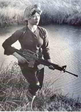 female-vietcong-fighter-photograph